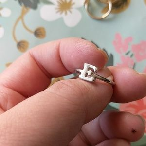 Nwot letter silver E stackable ring